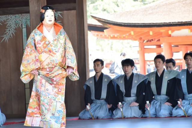 宮島厳島神社で開催された桃花祭御神能に出演