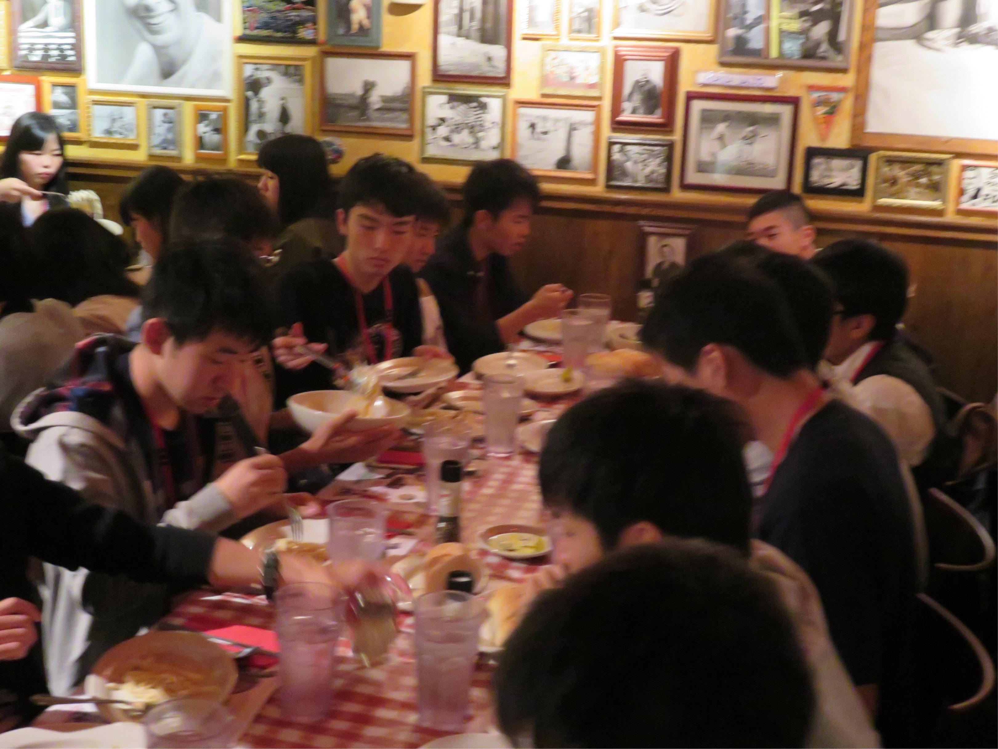 G11修学旅行USA 昼食