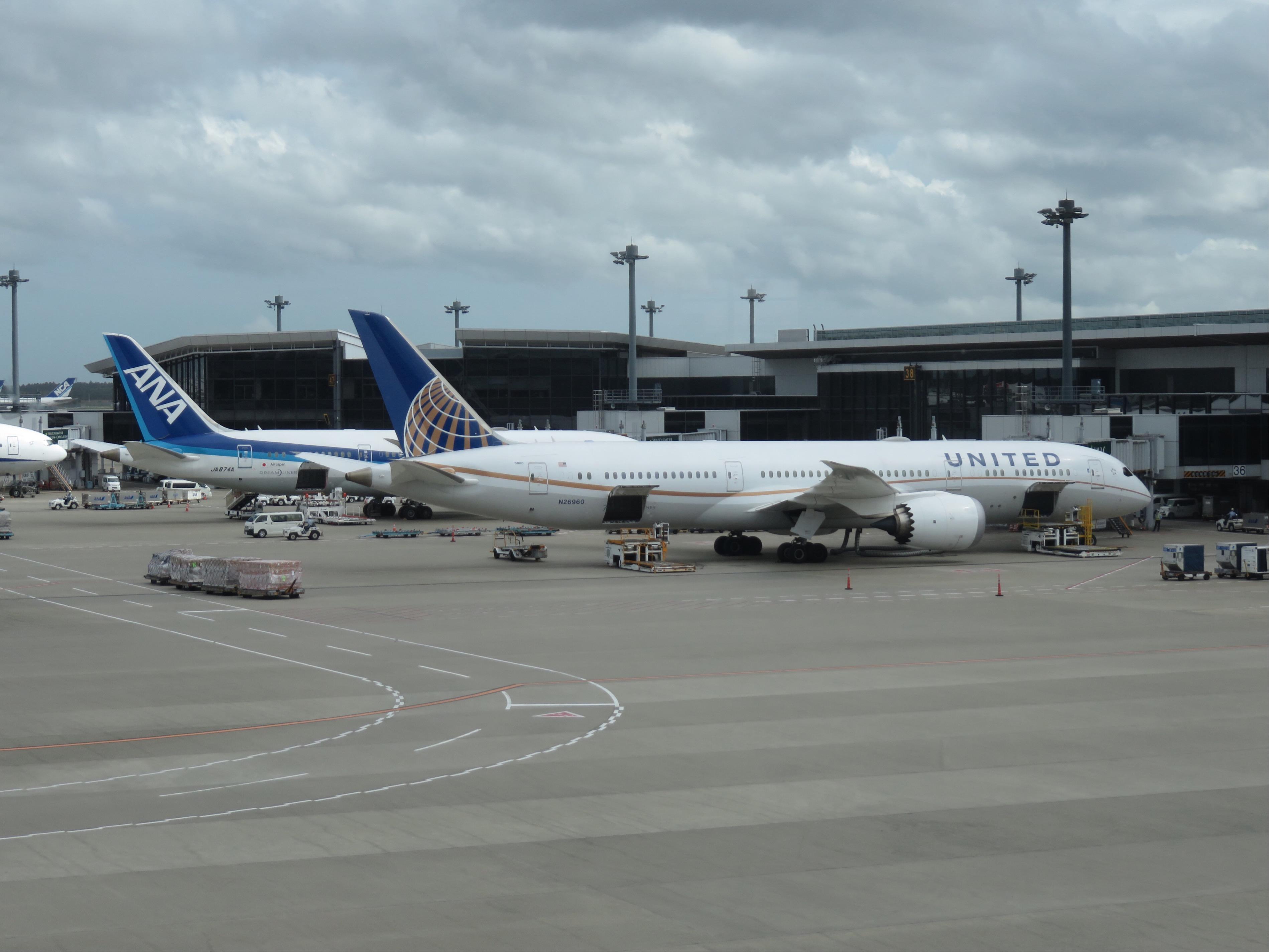 G11修学旅行 アメリカ西海岸 成田空港にて